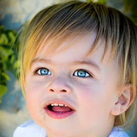 Beautiful boy by Laurette van der Merwe - Babies & Children Child Portraits ( blonde, boys, blue eyes, child photography, child portrait, children, toddlers )