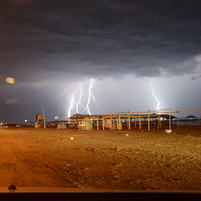 Storm in Jawa by Ändreas Bagio - News & Events Weather & Storms ( optimis )
