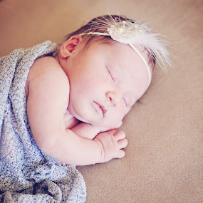 newborn sweetness by Monica Franco-Pineda - Babies & Children Babies ( sweet, girl, sleep, newborn )