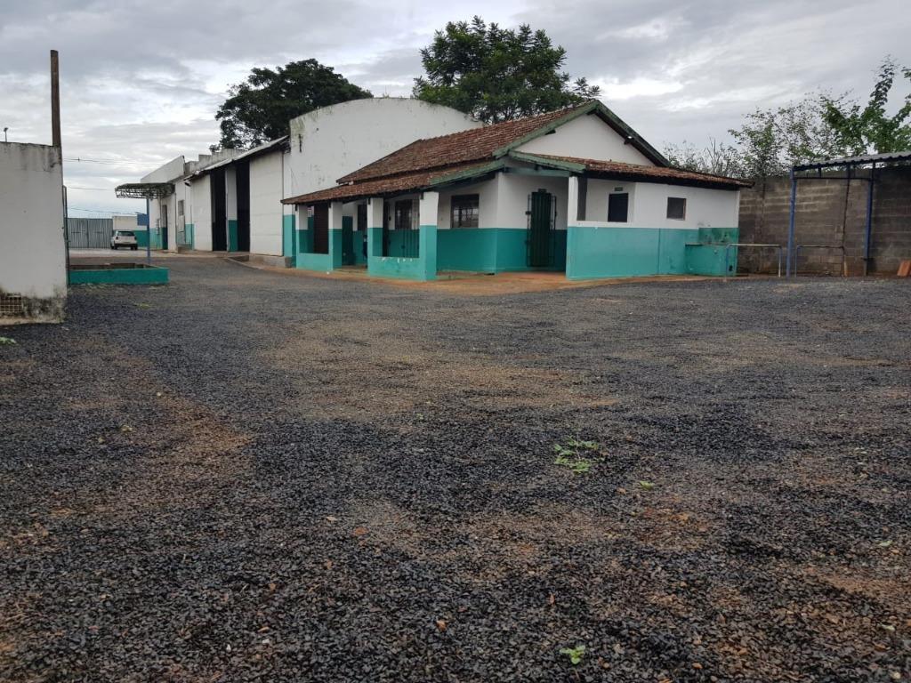 Galpão para alugar, 554 m² por R$ 3.500/mês - Parque das Gameleiras - Uberaba/MG