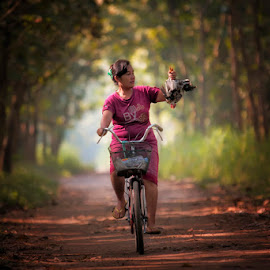 going home by Adam Bishawa - People Portraits of Women