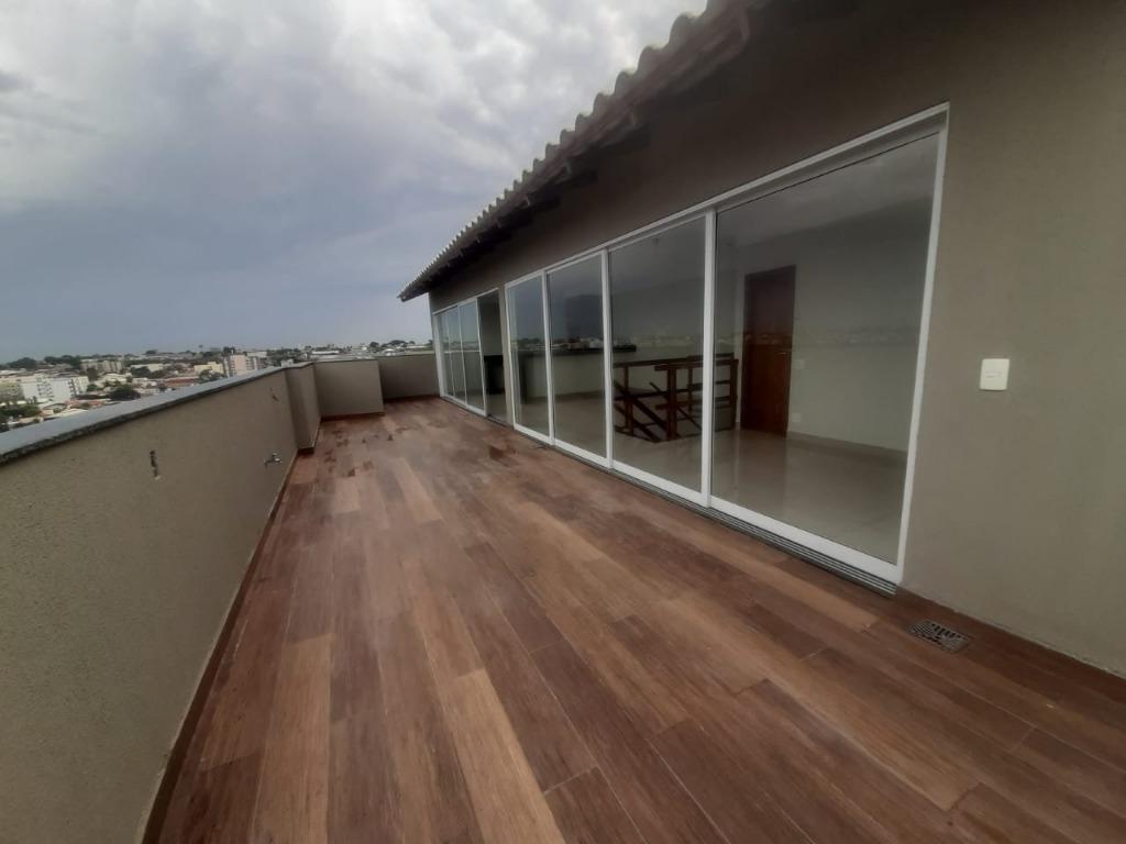 Apartamento com 3 dormitórios à venda, 198 m² por R$ 700.000,00 - Estados Unidos - Uberaba/MG