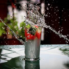 Strike and splash by Suzana Trifkovic - Food & Drink Alcohol & Drinks ( water, fruit, splashing, splash, drink, glass, splashed )