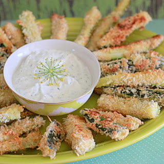 Spicy Baked Zucchini Fries with Greek Yogurt Dill Dip
