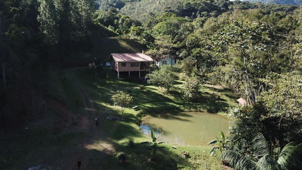 Sítio com 2 dormitórios à venda, 300000 m² por R$ 650.000 - Oliveira - Tijucas/SC