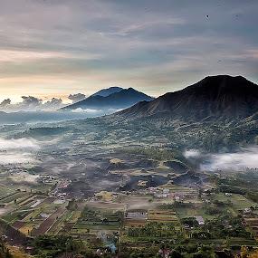 Foggy Morning by Ketut Pujantara - Landscapes Mountains & Hills ( penelokan, bali, foggy, kintamani, mountain, fog )