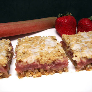 Strawberry-Rhubarb Oatmeal Bars