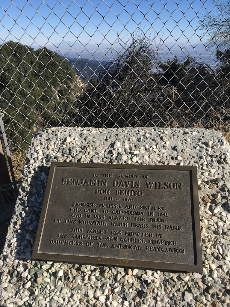 TO THE MEMORY OF BENJAMIN DAVIS WILSON DON BENITO 1811-1878 PIONEER TRAPPER CALIFORNIA IN 1841 AND IN 1864 BLAZED THE TRAILUP THIS MOUNTAIN WHICH BEARS HIS NAMETHIS TABLET WAS ERECTED BYTHE ...