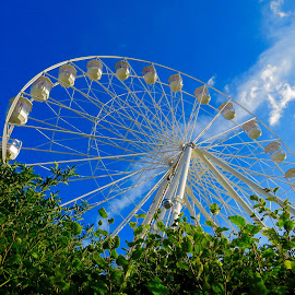 Stratford Ferris Wheel by Nick Swan - City,  Street & Park  Amusement Parks ( stratford upon avon, wheel, amusement, blue skies, ferris wheel )