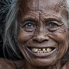granny by Tuty Ctramlah - People Portraits of Women