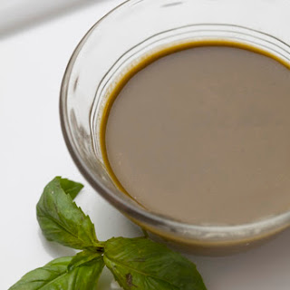 Oil-Free Basil Lover?s Dressing