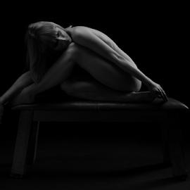 sitting lowkey nudeart by Reto Heiz - Nudes & Boudoir Artistic Nude ( nude, nudephotography, akt, nudeart, serrenity, lowkey, sensual )