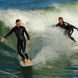 Two players it's more fun by Gérard CHATENET - Sports & Fitness Surfing