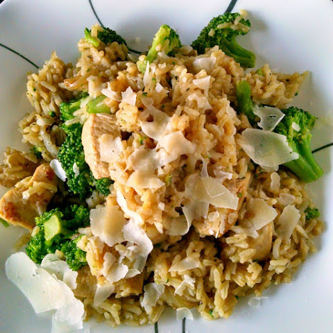 Cheesy Broccoli Chicken & Rice