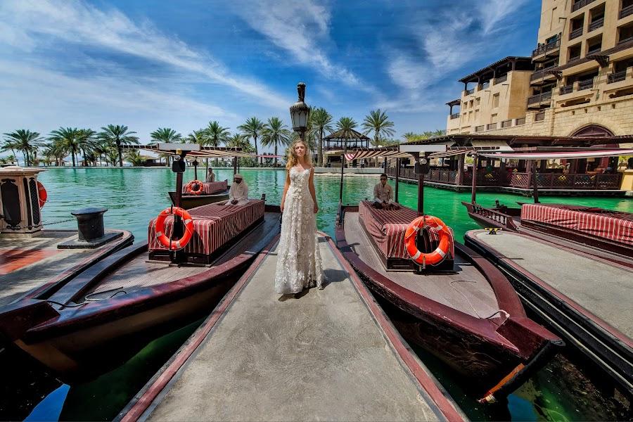 Stunning bride in UAE by DMYTRO SOBOKAR - Wedding Bride ( boats, beauty, weddingphotographer, city, sobokar.com, weddingdress, dubai, wedding, uae, pentaxk1, sobokar, bride, weddingphoto )