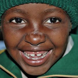 Keep Smile by Tomasz Budziak - Babies & Children Child Portraits ( child portrait, africa, smile )