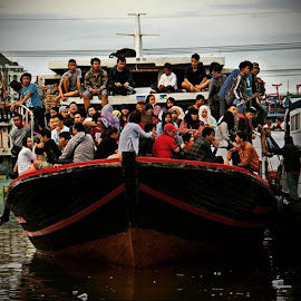 full capacity by Yudha Adillasaputra  - Instagram & Mobile Instagram ( boat, people, humaninterest, sony )