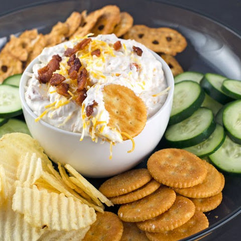 Creamy Cheesy Bacon Ranch Dip