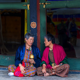 Tete-a-Tete at Memorial Chorten, Thimpu Stupa, Thimpu, Bhutan by Ketan Vikamsey - People Street & Candids ( thimpu, canon5dmarkiv, pic of the day, canonusa, wonderful places, thimpu chorten, lonelyplanet, lonelyplanetmagazineindia, natgeohd, bhutanese, worldphotographicforum, bhutan tourism, memorial stupa, canonphotography, fotorbit, great nature, natgeo, photo of the day, kv kliks, natgeotravel, gross national happiness, travel the world pix, bbctravels, ketan vikamsey )