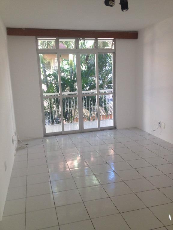 Apartamento de 3 dormitórios em Fátima, Fortaleza - CE