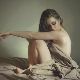 MindDriftsAgain by B Lynn - Nudes & Boudoir Boudoir ( nude, woman, boudoir, women, light, best female portraiture )