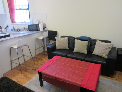 Studio in the center of Upper East Side 74th street