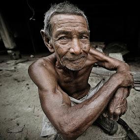 smile by Chegu Diman - People Portraits of Men ( chegu diman )