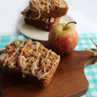 Apple Crumb Cakes
