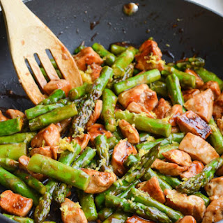 LEMONY CHICKEN STIR FRY WITH ASPARAGUS