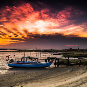 Magic Sky ! by Emanuel Fernandes - Landscapes Sunsets & Sunrises ( clouds, sky, setubal, boat, portugal )