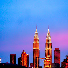 Petronas Twin Towers by Nann Photos - City,  Street & Park  Night ( petronas twin towers, klcc, cityscape, landscape, buildings & architecture, nightscape,  )