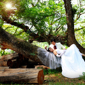 Beautifull days by Tjondro Susilo - Wedding Bride & Groom