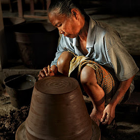 Clay Pot # 3 by Dody Hariawan - News & Events World Events