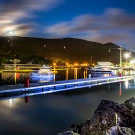 Landscape at full moon by Rqserra Henrique - City,  Street & Park  Vistas ( lights, brazil, moon, le, boats, rqserra, night, reflexes )