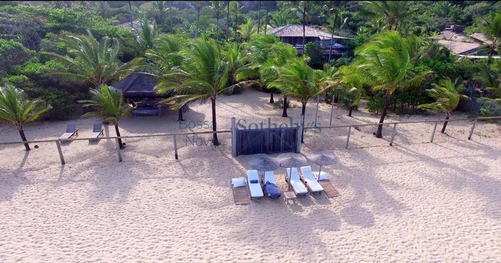 Pé na areia em praia em condomínio cobiçado em Trancoso