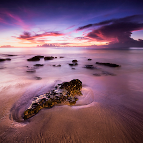 cloudy sunset by Dody Herawan - Landscapes Beaches ( sky, sunset, sea, cloud, beach, snset )