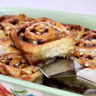 No Yeast- Apple Cinnamon Rolls with Maple Icing