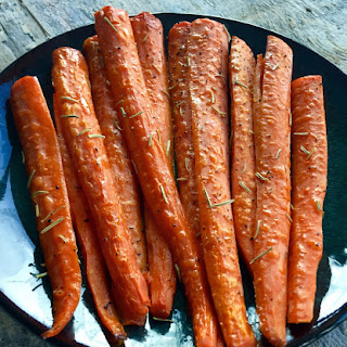 Honey Roasted Rosemary Carrots