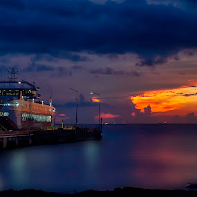 The Beginning of an Amazing Journey I by Andrius La Rotta Esquivel - Transportation Boats ( amazing, boats, beautiful, journey, transportation, photography )