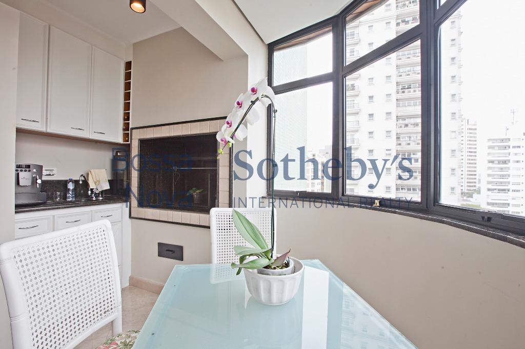 Elegante apartamento com terraço em todos os ambientes
