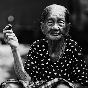 indonesia by Zulkifli Sukarta - People Portraits of Women ( indonesia )