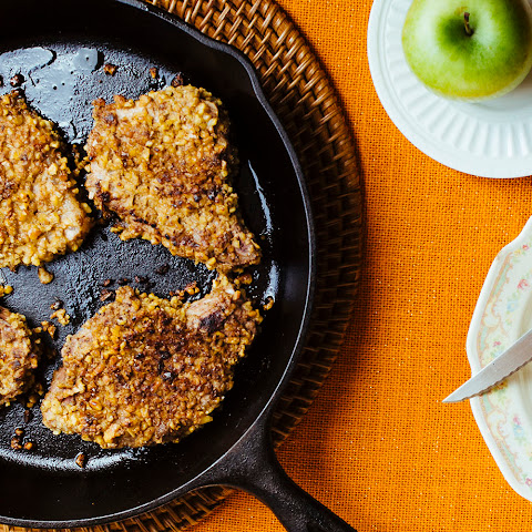 Walnut-Crusted Pork Chops with Baked Apples
