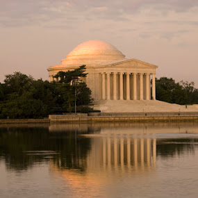 Jefferson Memorial by Rob Donner - Buildings & Architecture Statues & Monuments