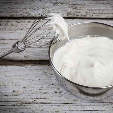 How to Make Homemade Whipped Cream - Paleo and Raw