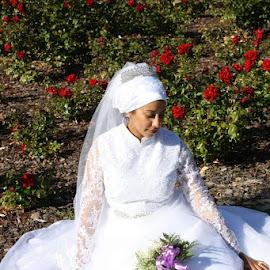 by Justin Kumlehn - Wedding Bride ( bouquet, simplicity, bride, flowers )