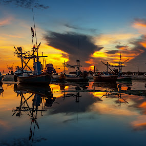 The reflex by Arthit Somsakul - Transportation Boats ( water, sunset, sea, boat, reflex )
