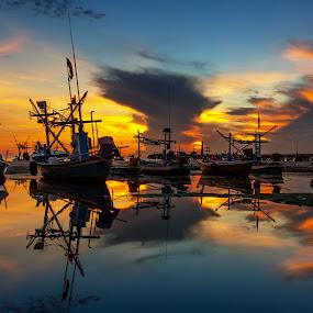 The reflex by Arthit Somsakul - Transportation Boats ( water, sunset, sea, boat, reflex )