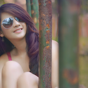 by Mode Photographhy - People Portraits of Women ( #canon #girl #beauty #glasses #smile )