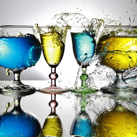 Messy splash zone by Peter Salmon - Artistic Objects Glass ( water, splash, glasses, glass, zone )