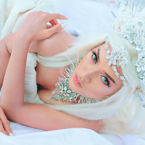 Queen of Fantasy by Amin Basyir Supatra - People Fashion ( face, bali, fashion, girl, beautiful, mood, beauty, portrait, eyes )
